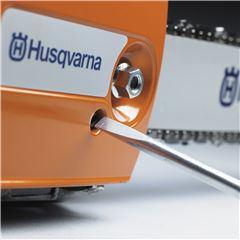 Husqvarna - Intinzator de lant montat pe laterala