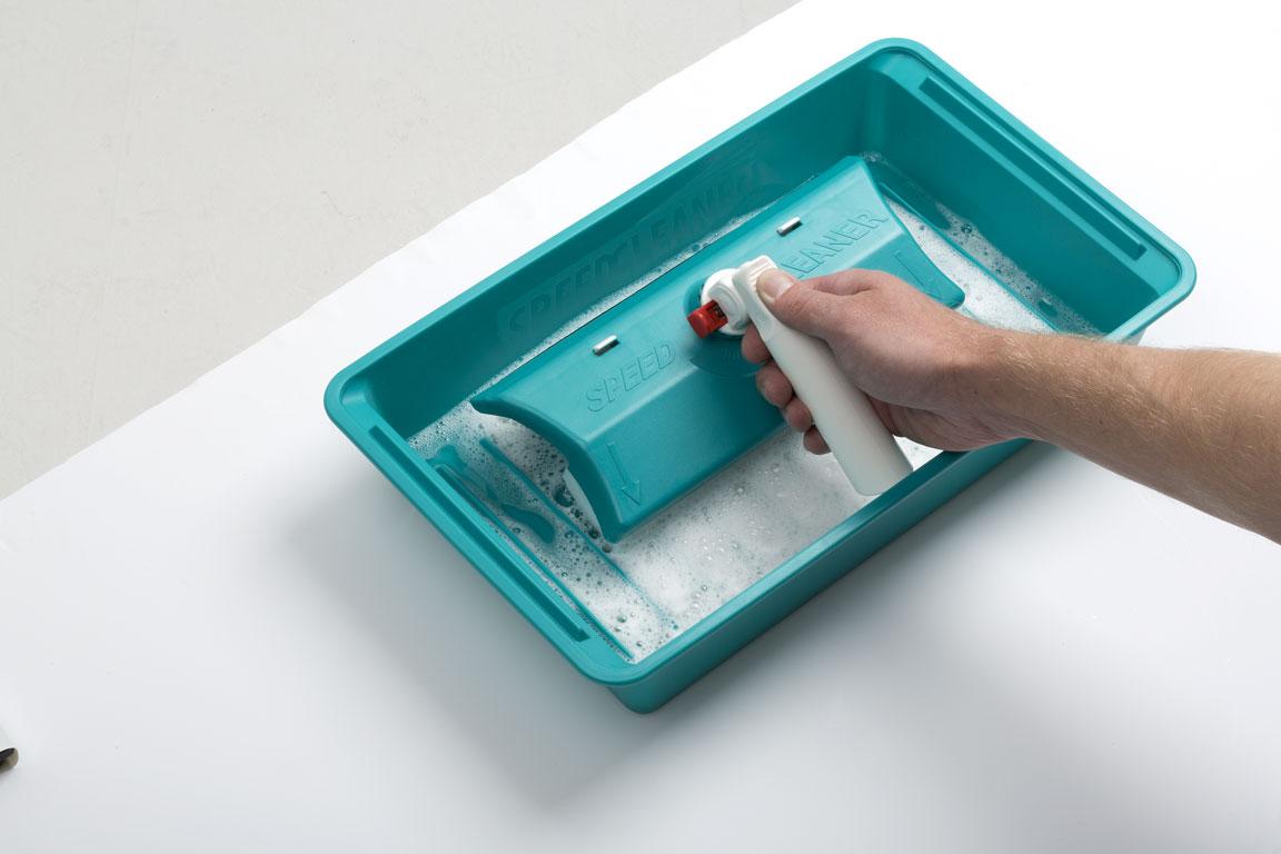 Tavita Speed Cleaner - asigura o curatare optima a buretelui si stergatorului