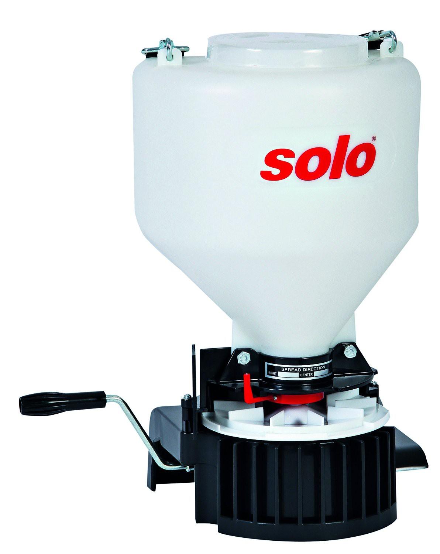 Dispozitiv pentru imprastiat produse granulate si seminte Solo 421